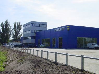 Sbs bv dak en wandsystemen for Garage peugeot la defense